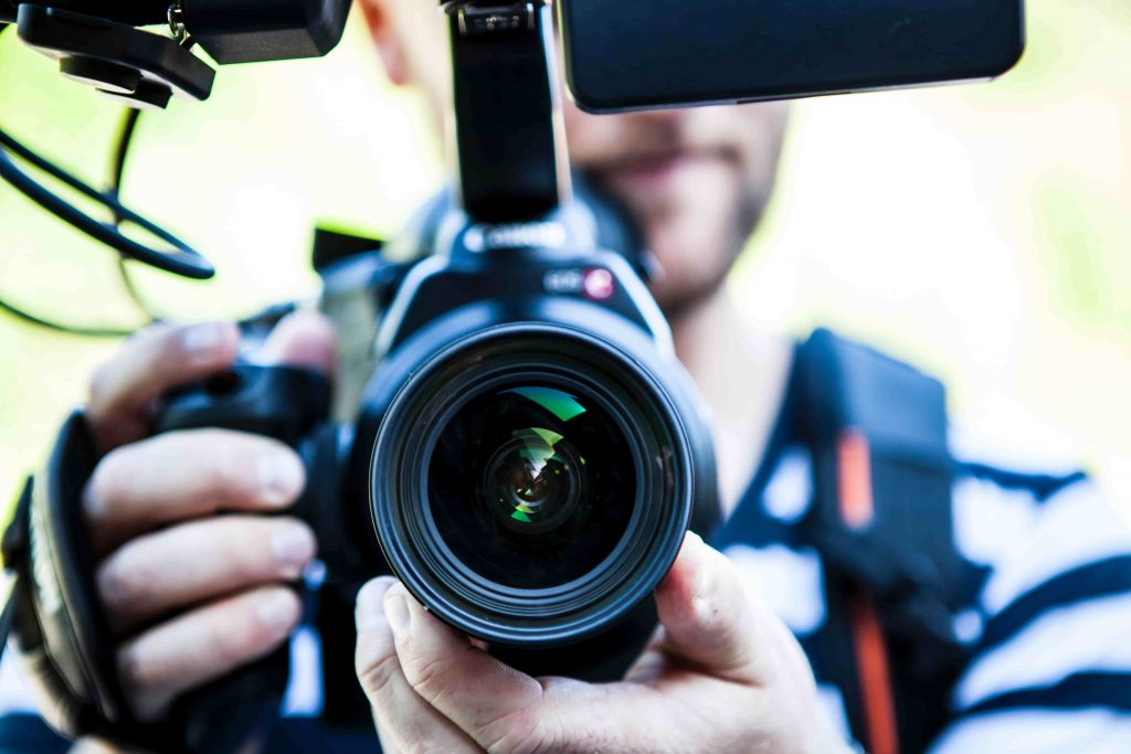 Benefits Professional Photographers for Corporate Event